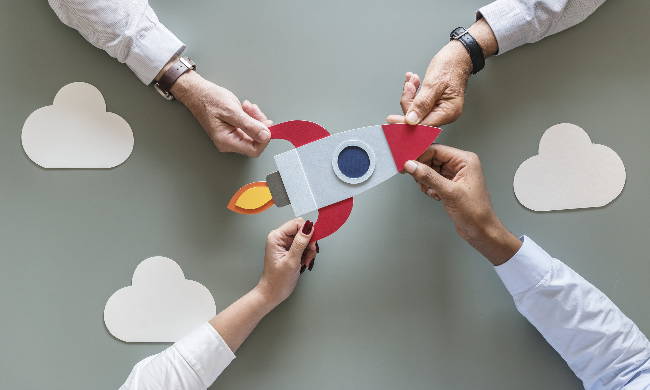 business-people-with-startup-rocket-PX3KCVA.jpg