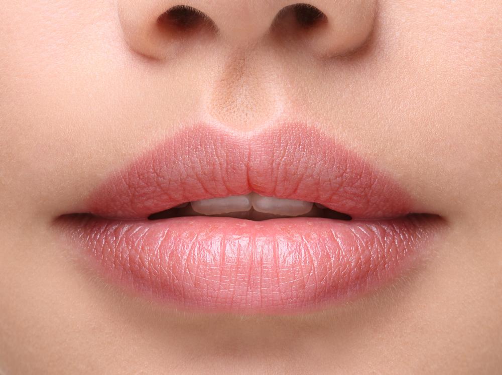 Lips button.jpg