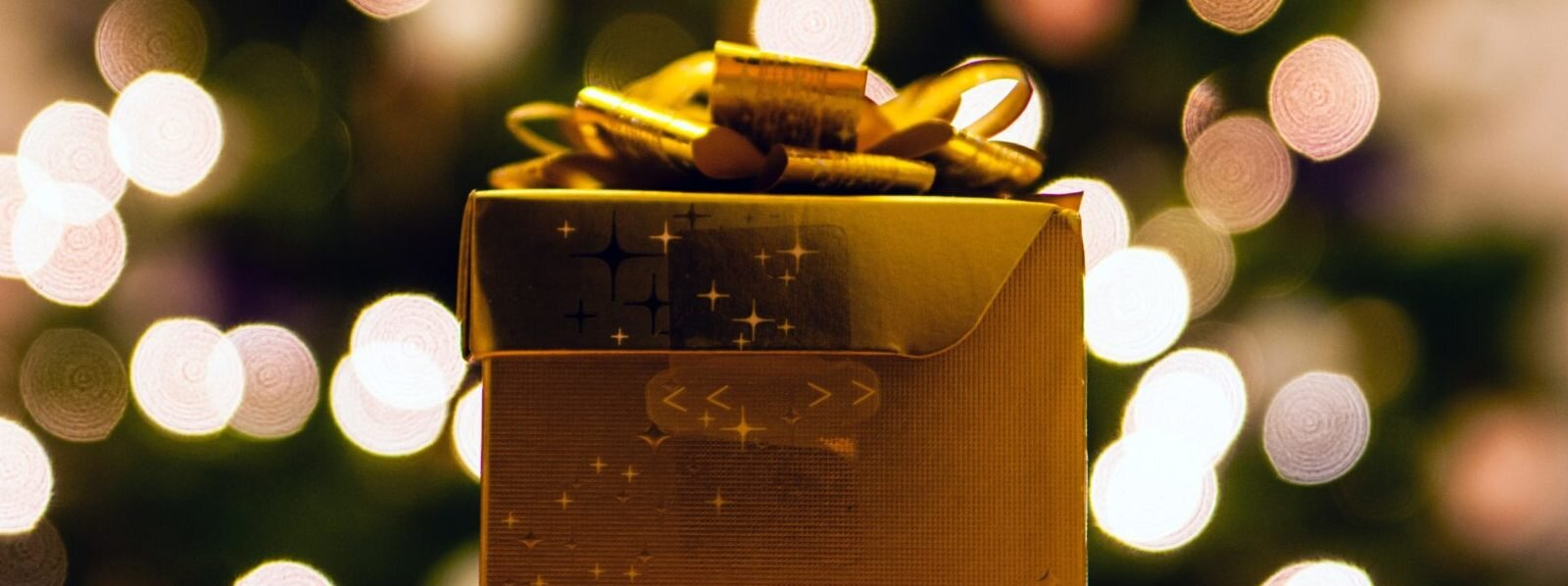 bokeh-christmas-christmas-wallpaper-76931-e1542650126953-1600x598.jpg