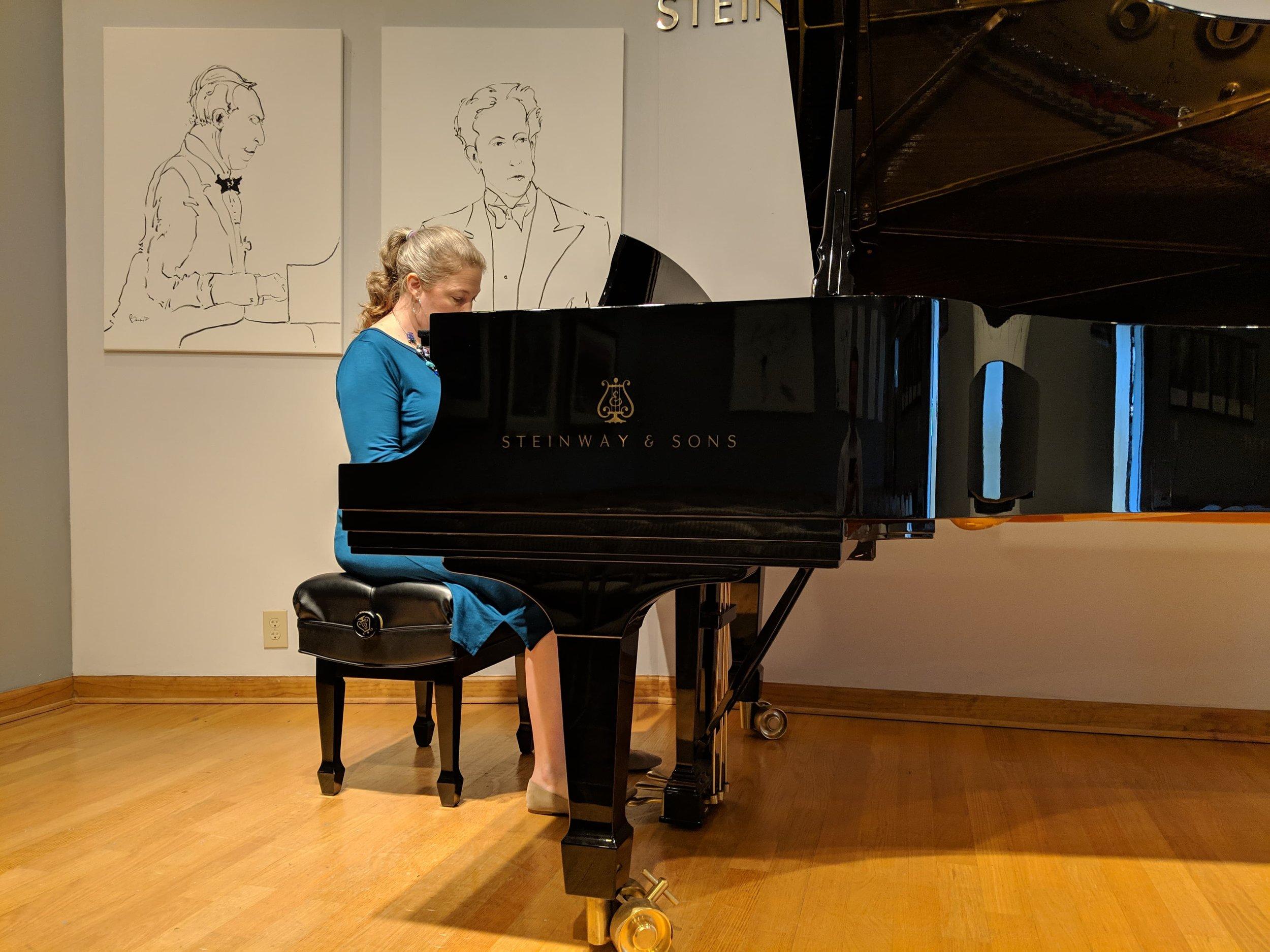 The-Mobile-Music-Studio__Jennifer-playing-piano.jpg