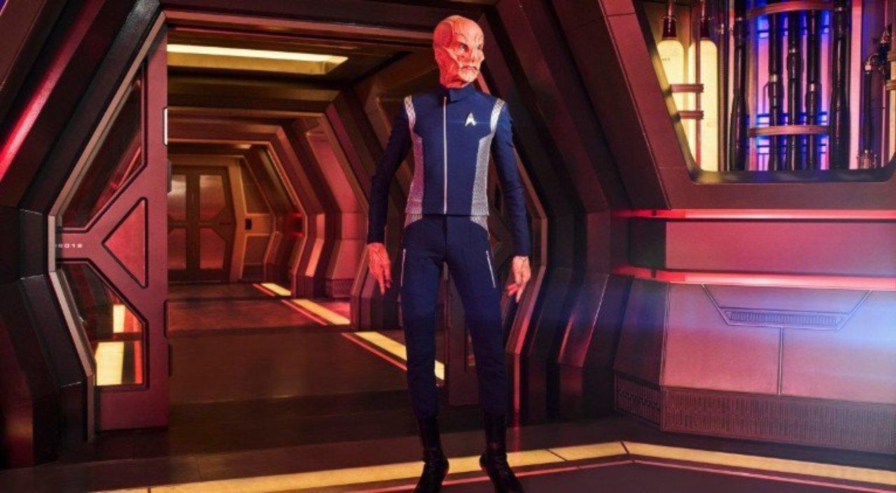 Os kelpiens - Essa raça, que é a de um dos personagens principais Saru (Doug Jones), é bem interessante! É daqueles momentos que Star Trek não tem medo do ridículo - eles se movem de um jeito, hum… peculiar!