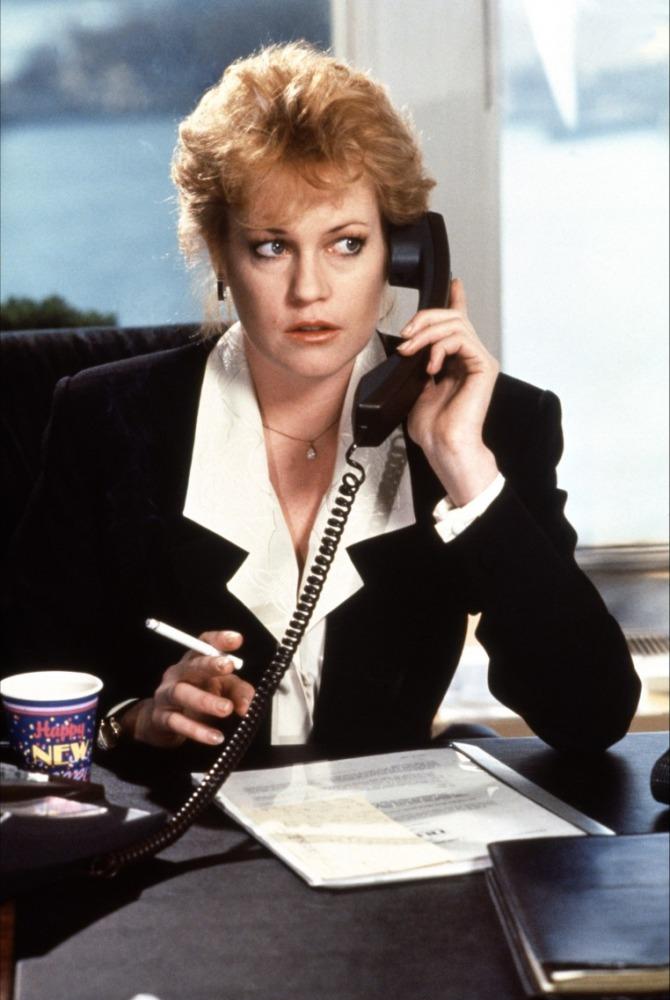 Uma Secretária de Futuro (1988) - Engraçado que esse filme é sempre citado como um clássico do power suit oitentista - mas sinceramente não acho o melhor exemplo de power suit. De qualquer forma, a história com Tess McGill (Melanie Griffith) é bem empolgante
