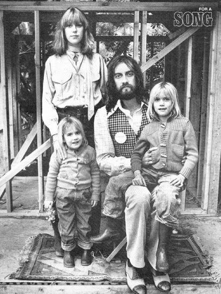 Casos de família - Jenny com Mick Fleetwood e as duas filhas, Amy e Lucy