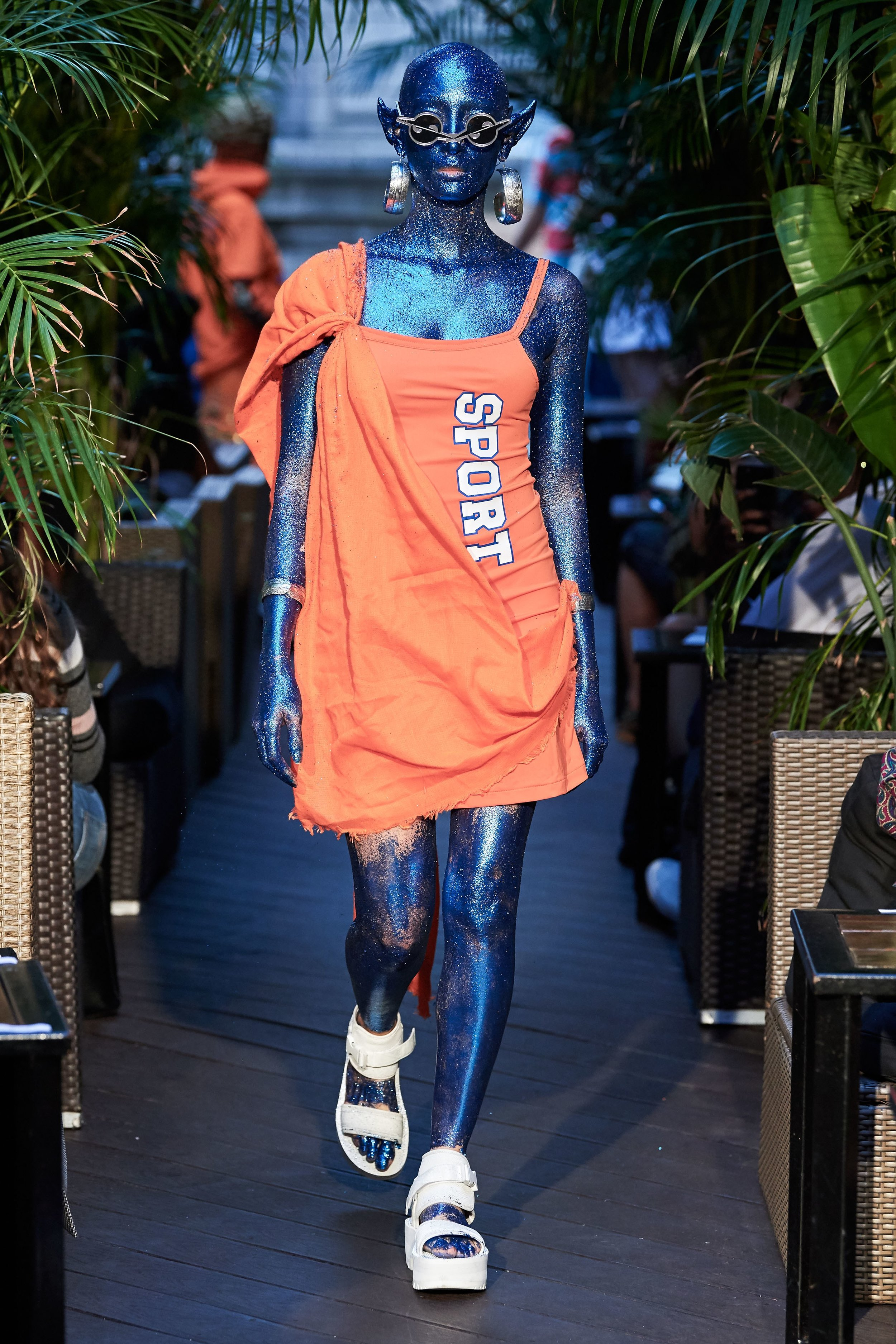 Gypsy Sport - Gosto do look, gosto mais ainda da pele azul - vide esse post!