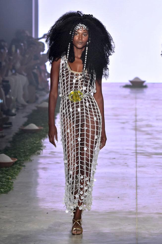 O outro look foi usado pela outra maravilhosa modelo - e uma das melhores amigas de Samira, Carmelita!