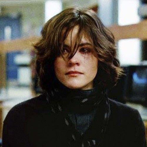 Ally Sheedy - Ela também está nos dois filmes, mas sinceramente gosto mais de seu papel em O Clube dos Cinco: a esquisitona Allison é maravilhosa!
