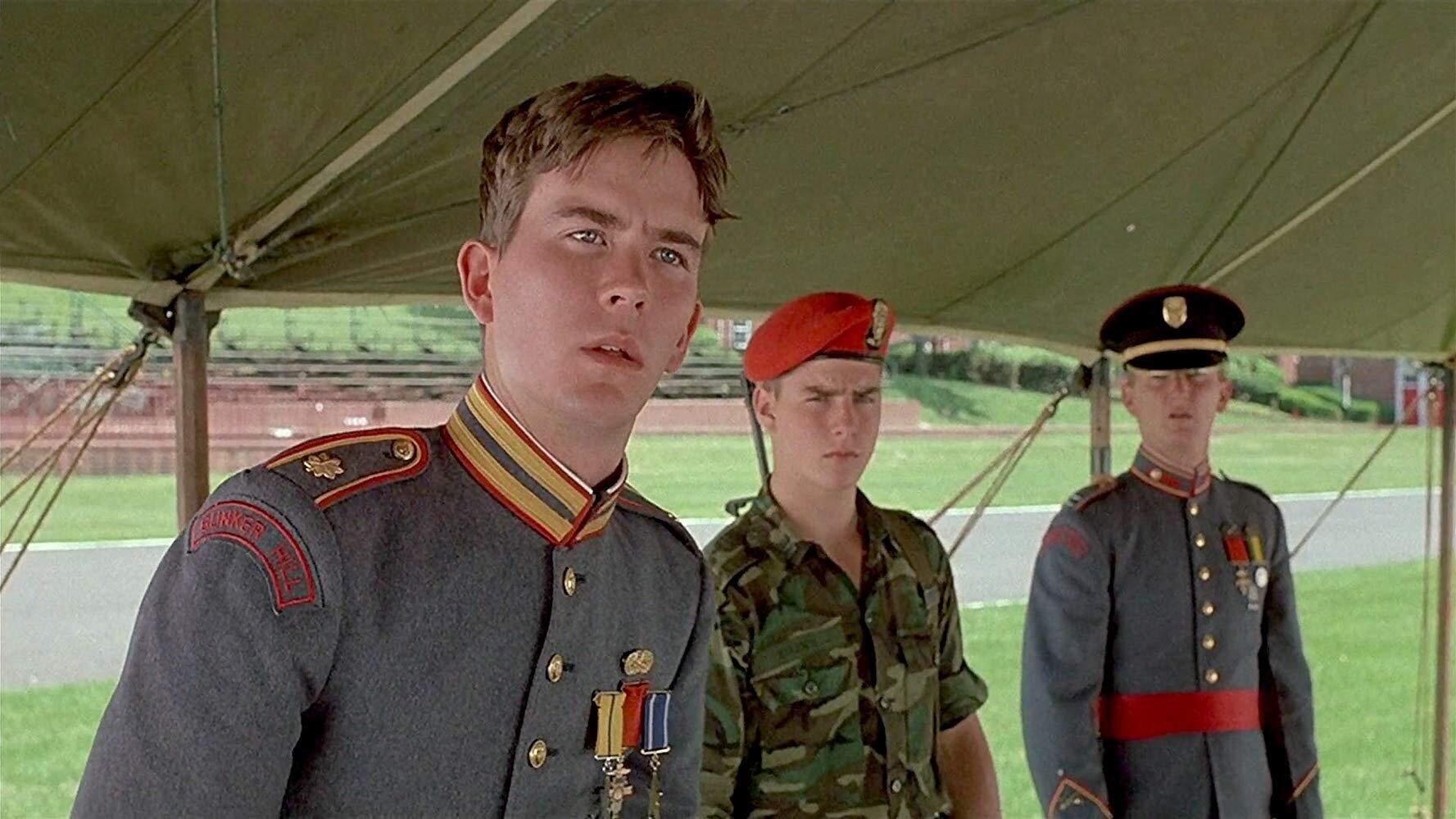 Moreland (Hutton), Shawn (Cruise) e Dwyer (Penn) em ação