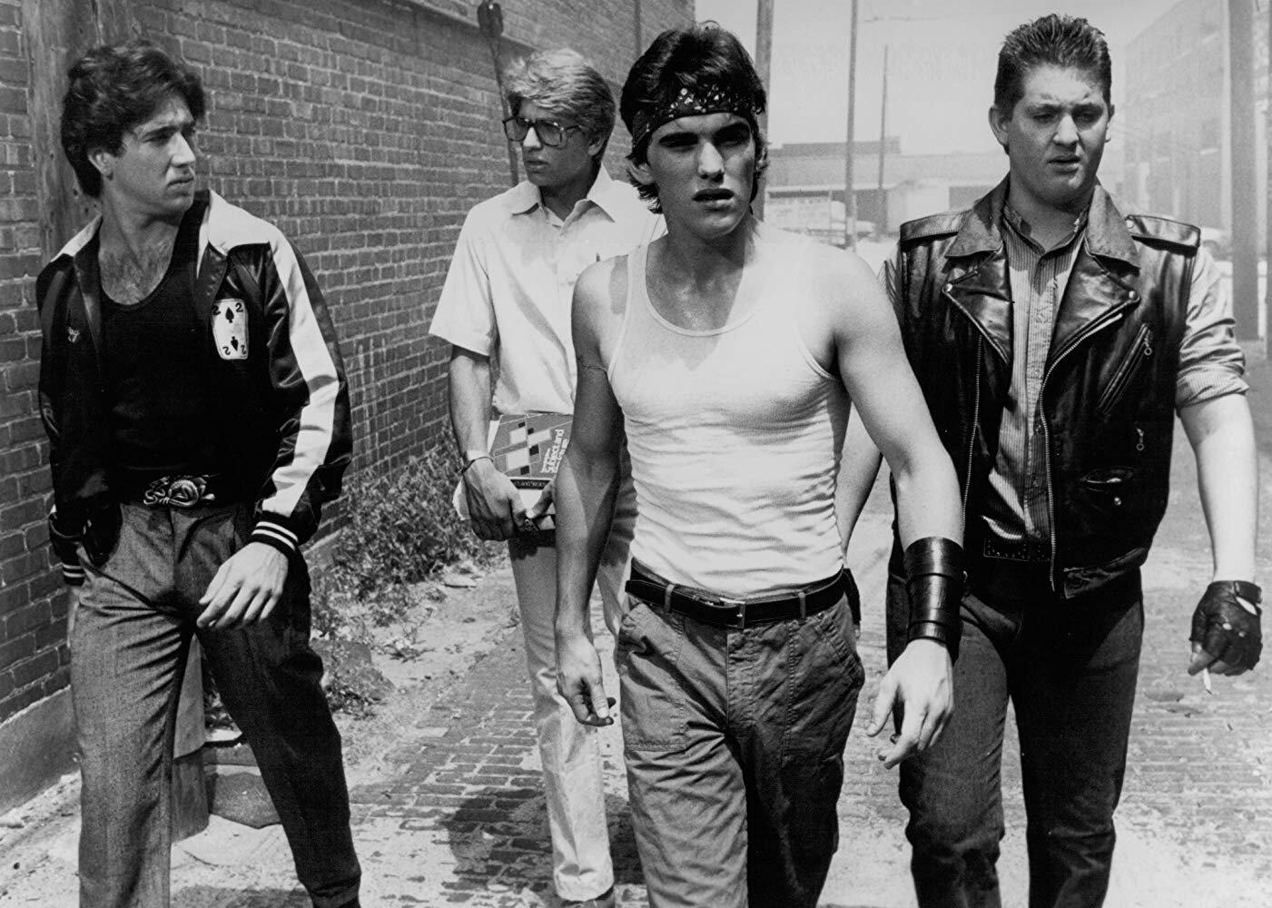 Smokey (Nicolas Cage), Steve ( Vincent Spano ), Rusty (Matt Dillon) e B. J. Jackson ( Chris Penn , o irmão de Sean Penn)