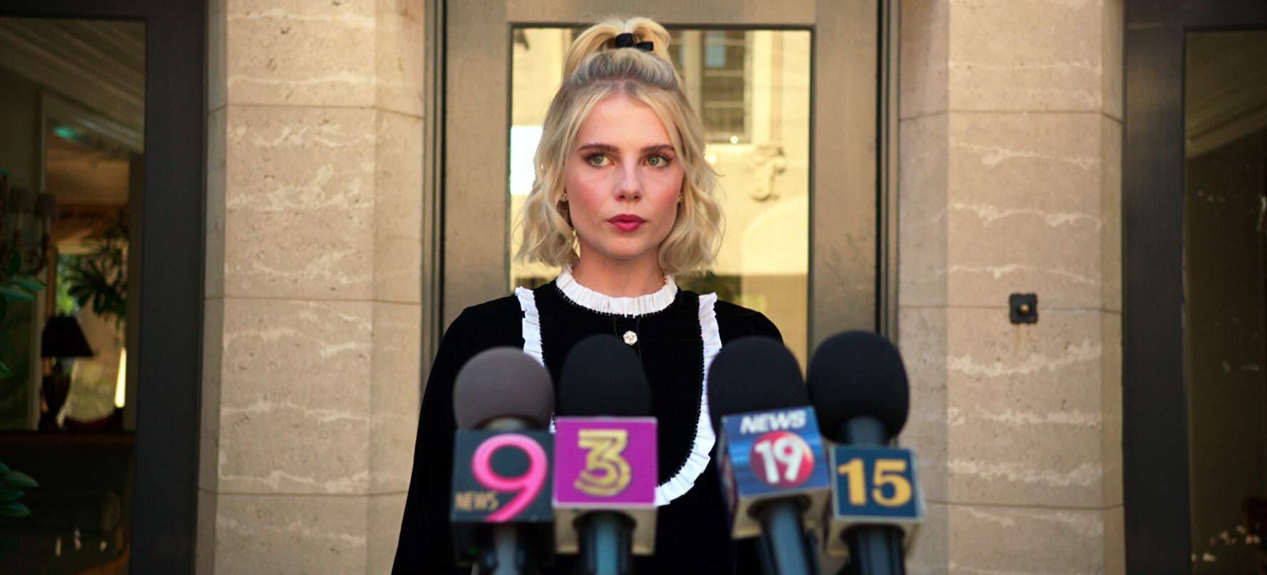 Lucy Boynton - Move over, Emma Roberts: temos uma nova bitch queen!