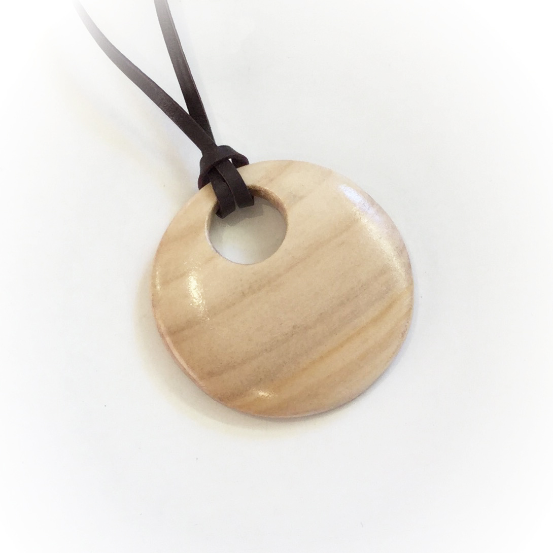 Circular willow pendant.jpg
