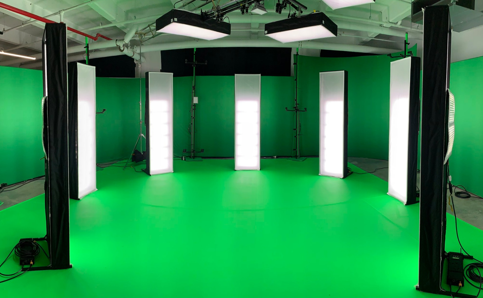 We are thrilled to be hosting Microsoft's volumetric capture pop-up in NYC through September.