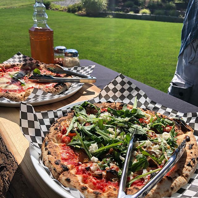 Last weekend of summer but the party is still going! #pizza #crostapizzaco #crostacatering