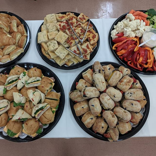 Meeting at lunch time? We got you covered!  #crostacatering #crostapizzaco