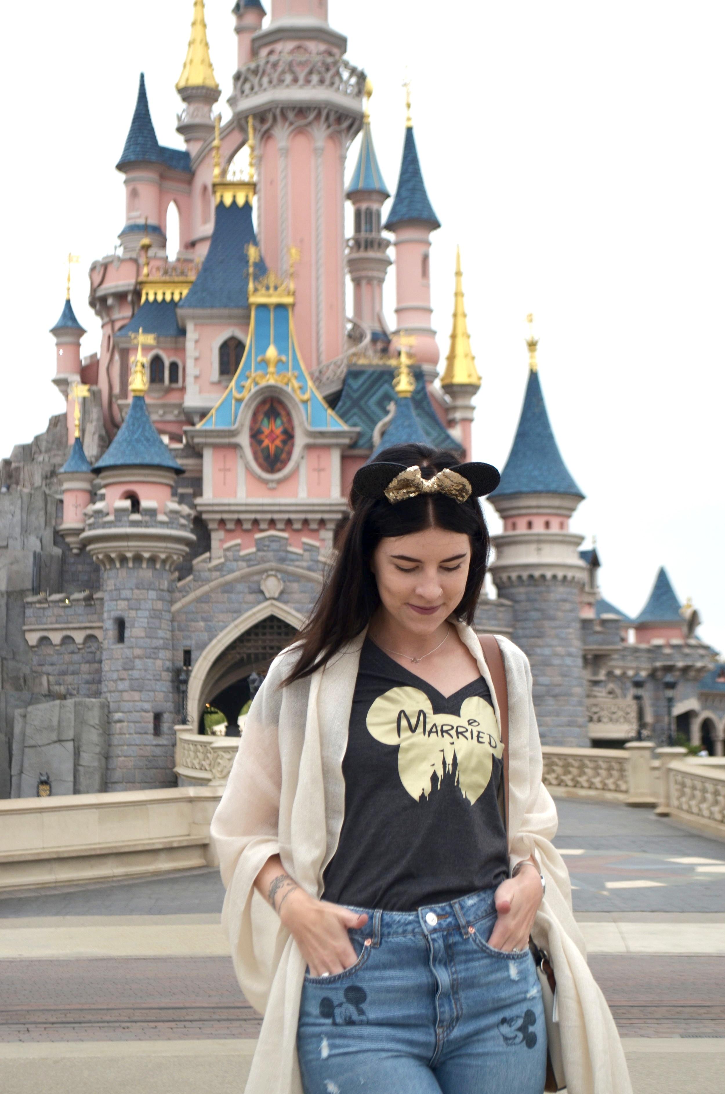 Disneyland-outfit-minnie-ears.JPG