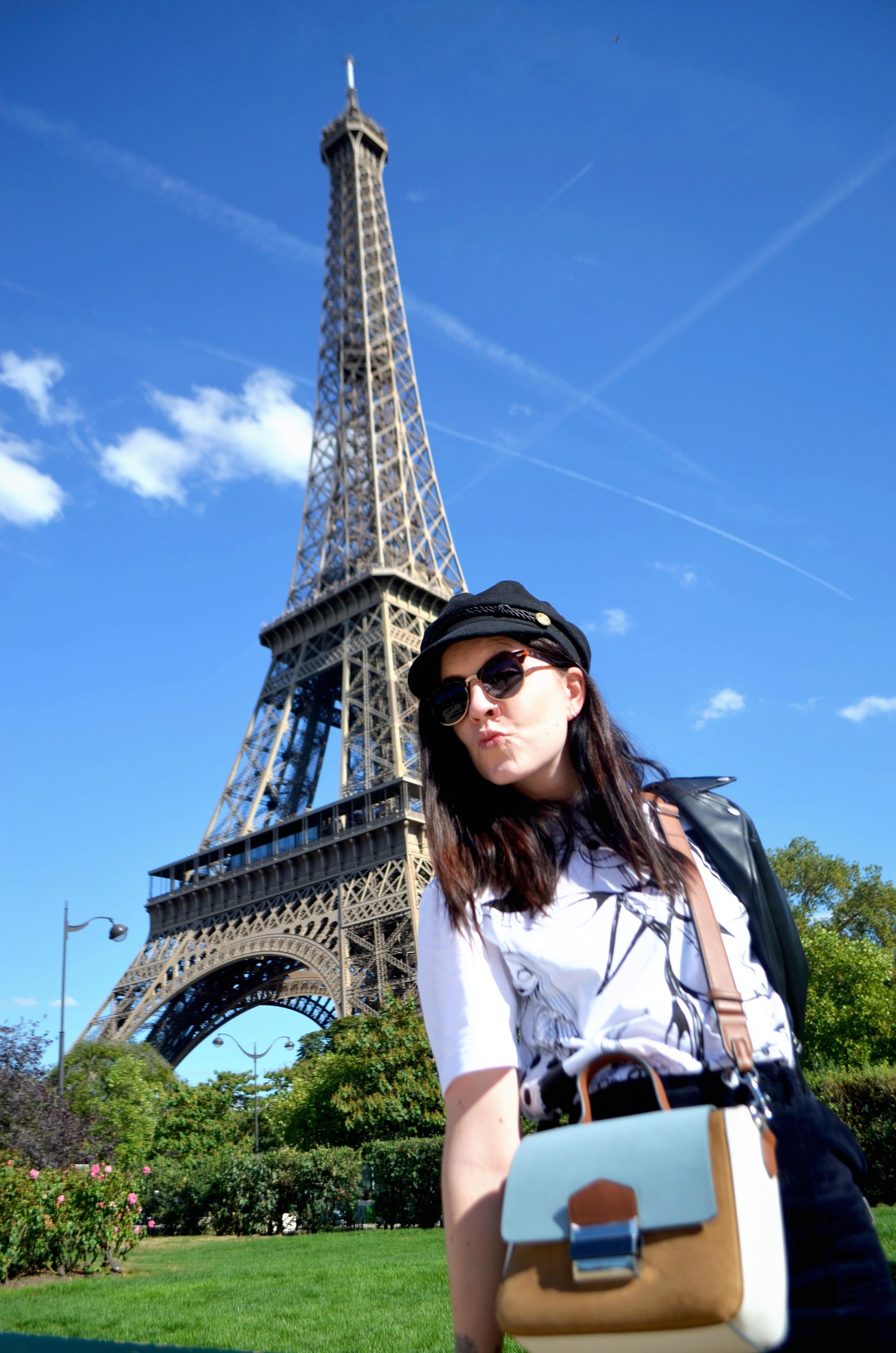 Paris-eiffel-uttaforboksen.JPG