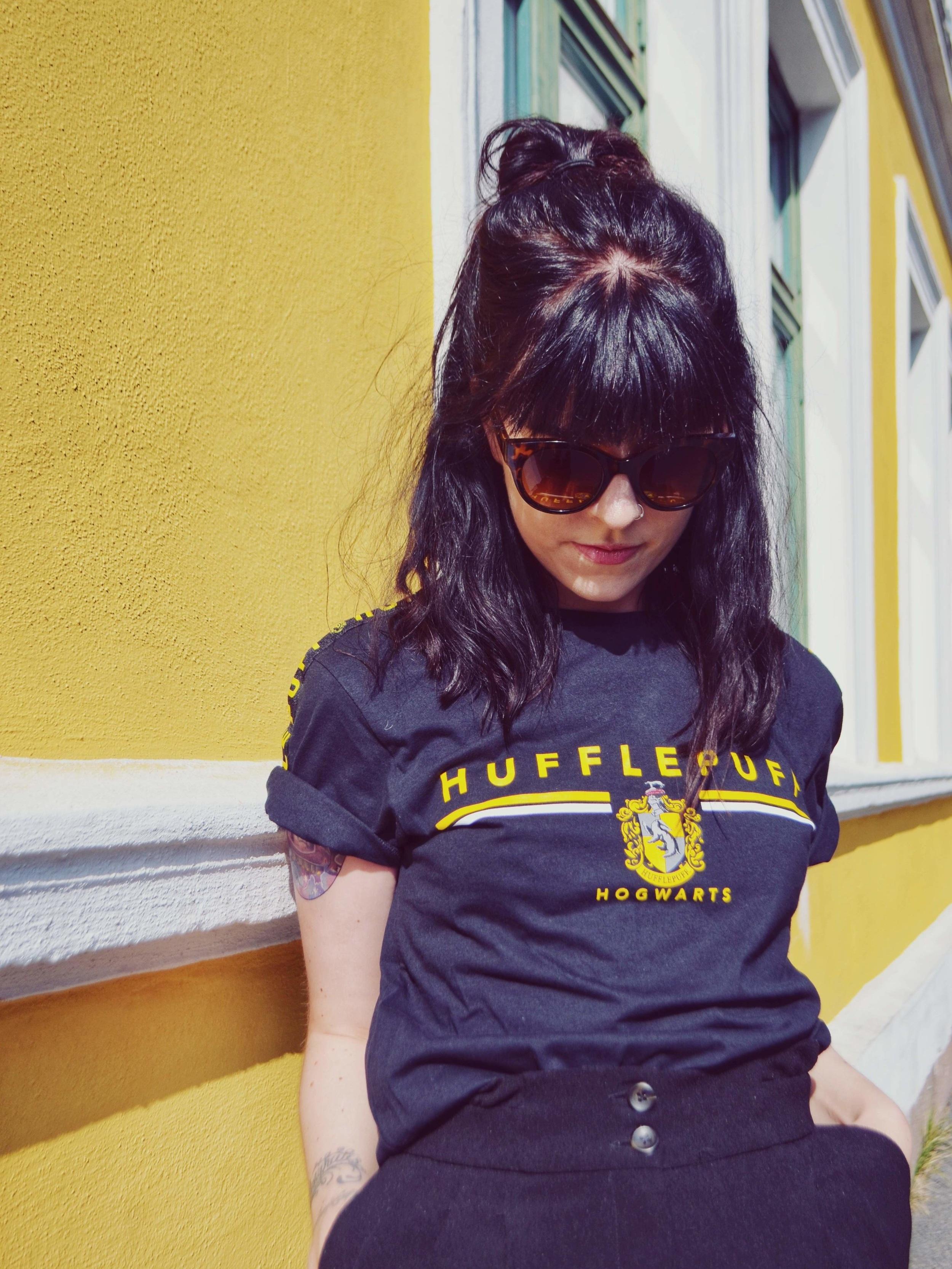 Uttafor_boksen_Hufflepuff_tshirt.jpg