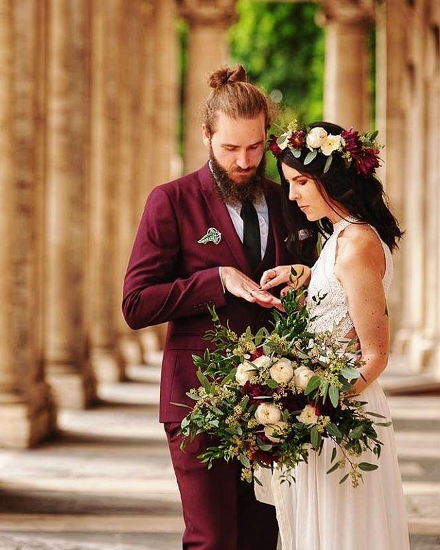 You Were My Dream💘  1 year down, the rest to go👰🤵 .... #norskebloggere #norskblogger  #nerdwedding #leafoflorien #lotrwedding #lordoftheringswedding #lotrweddingtheme #geekwedding #norwegiancouple #nerdstagram #nerdstuff #tattoolove #etsy #shopbabydoll #bohemianwedding #bohemianbridge  #flowercrown #hipsterwedding #nerdcouple#1yearanniversary #besthusband #vikingbeard #weddinginrome
