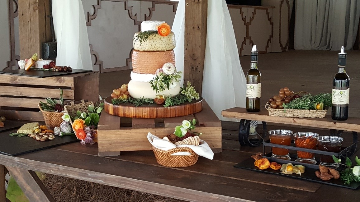 Stations -cheese cake table.jpg