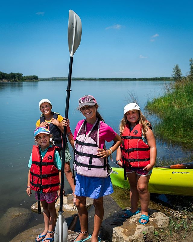 """This girl gang is giving a whole new meaning to """"squad goals."""" 💪💁♀️☀️ #missourikayakadventures #girlgang #squadgoals #adventure #missouririver #summer #sunshine #getoutside #ndlegendary #travel #cousins"""