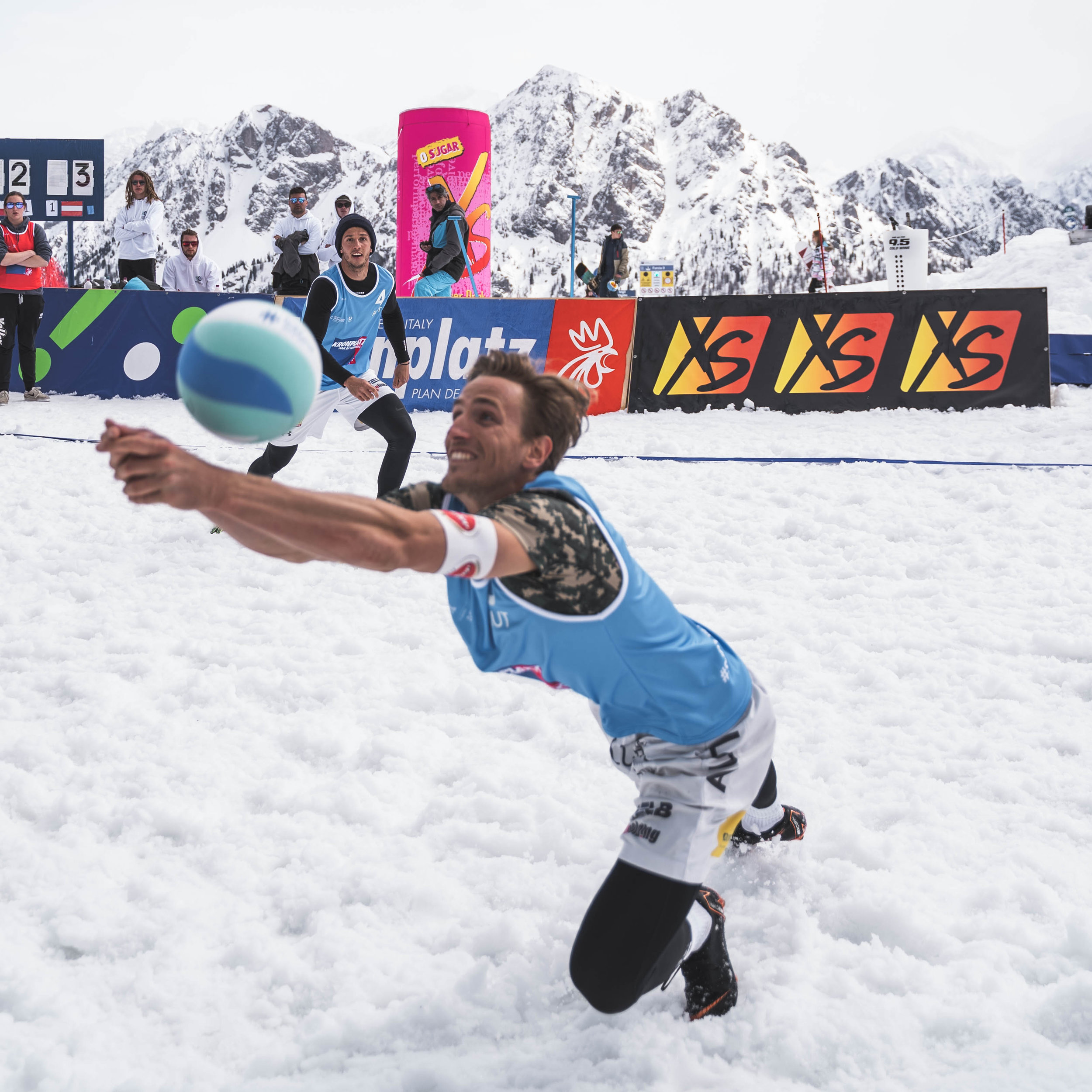 SnowVolley3-7.jpg