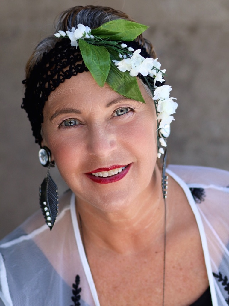 MARILYN FELDMAN  Marilyn is a Licensed Social Worker and educator who is known for her extensive work with women, young girls and families. She is the president of Diamond Millinery, which specializes in creating head wear for clients who've experienced hair loss due to illness and Glamour Project's primo Milliner. She helps people preserve their self esteem and dignity while dealing with the effects of hair loss, and restore a positive self image. Marilyn is a founder of Glamour Project in the Boston area and has pursued extensive fund-raising efforts.