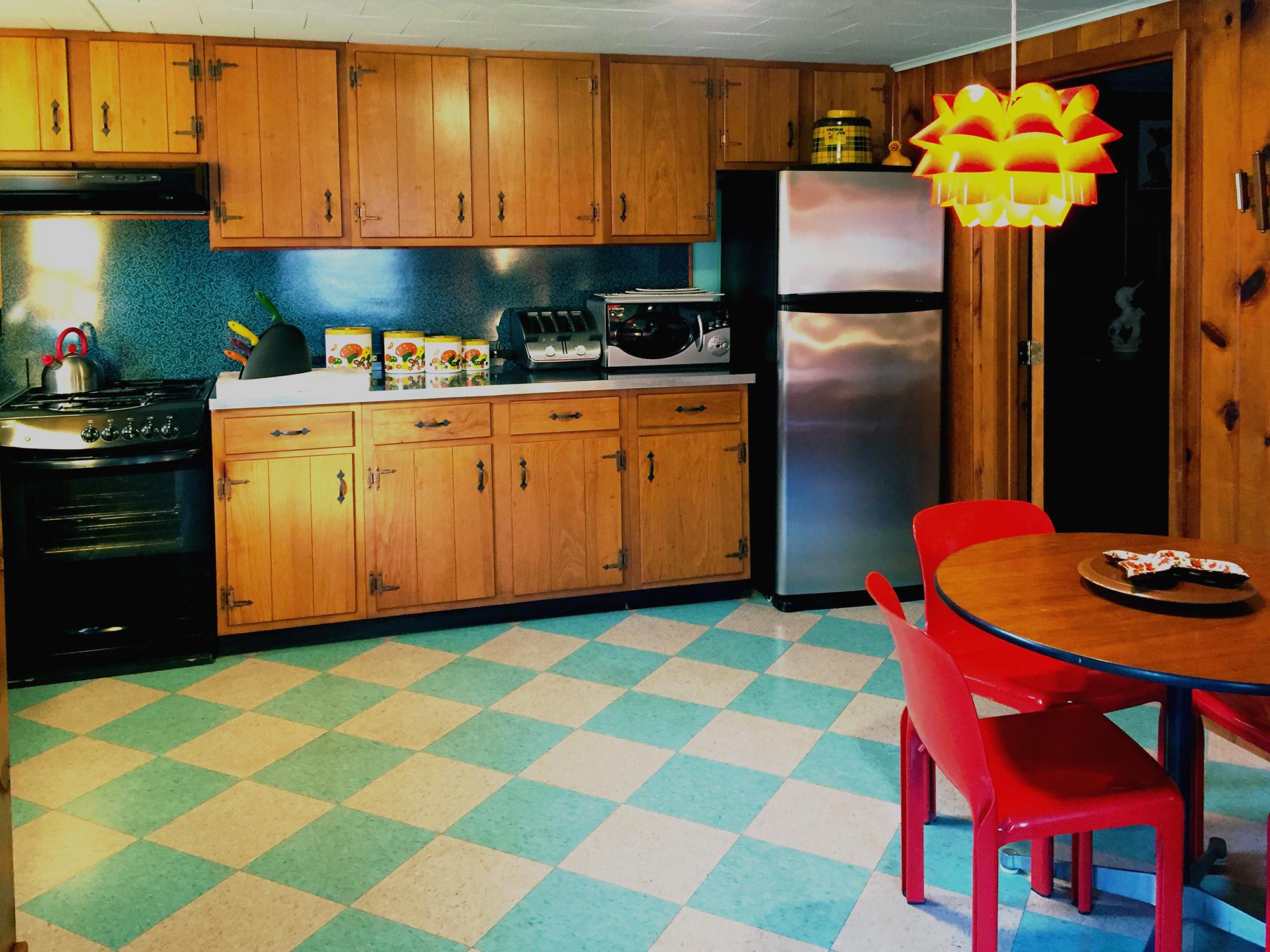 suite1_kitchen4%20copy2.jpg