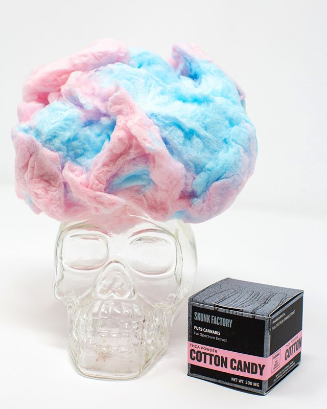 They say I have a big brain and a good beat #getloud #cottoncandyweed    #getlit #skunkfactory #weedandstyle #puffpuff #weshouldsmoke #extractlife #loudweed #lit #creativelife #worklife #cannabislifestyle #cannabisculture #cannaseur #modernstoner #litladies #weedrebranded #terps