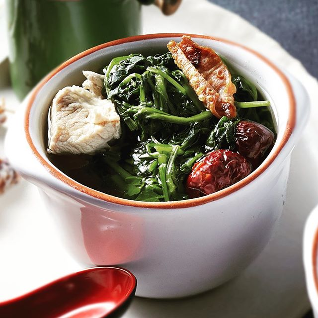 Traditional Watercress with Red Dates Soup just like Grandma used to make. Juicy chunks of pork and dried squid add flavour and depth to this popular Cantonese appetiser. Enjoy the warmth and nourishing goodness of our homemade country-style soup now @CantonCanton...so much more than just yum cha#thejewelpantrygroup #sydneyeats #sydney #sydneyfoodie #sydneyfood #dimsum #lunch #dinner #dumplings #sydneylocal #foodie #foodpics #foodstagram #instafood #foodporn #foodgasm #foodlife #eat #cantoncanton #cantonesefood #cantonese