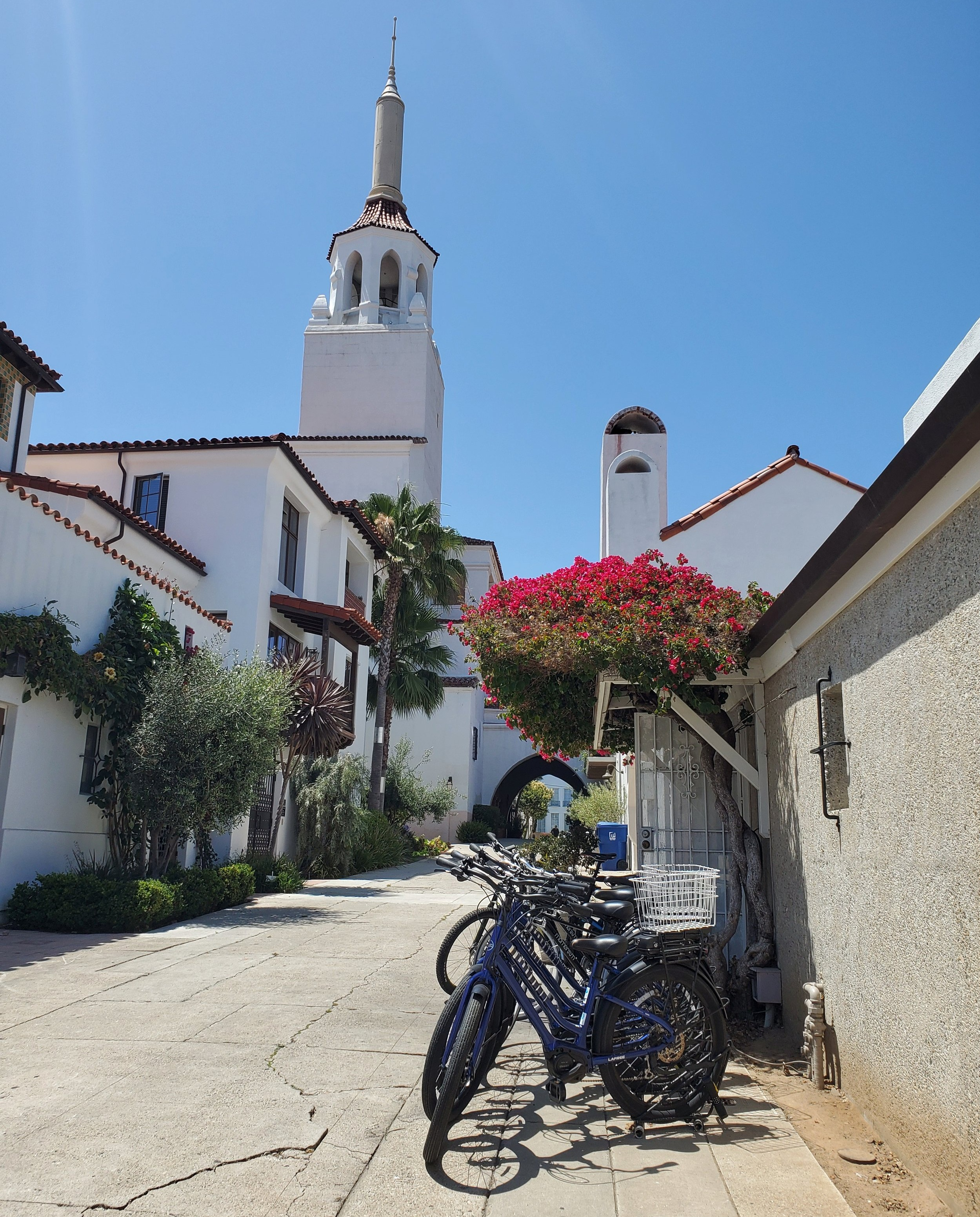 On the way to the Public Market. Santa Barbara is full of cute corners and photo options!
