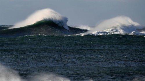 Univision, 22 May 2017 # Una monstruosa ola es registrada en una zona remota al sur de Nueva Zelanda