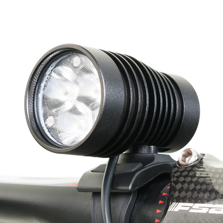 Still-Life-07-Commercial-Product-DiNotte-Lighting-Bike-Light.jpg