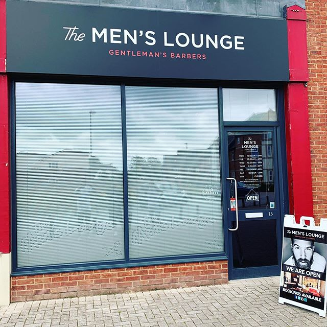 Filling up extremely quickly for August, couple of staff on holiday as well......grab your space as soon as possible 💈 #busy #summertrim #holidaycuts #fresh #buckshaw