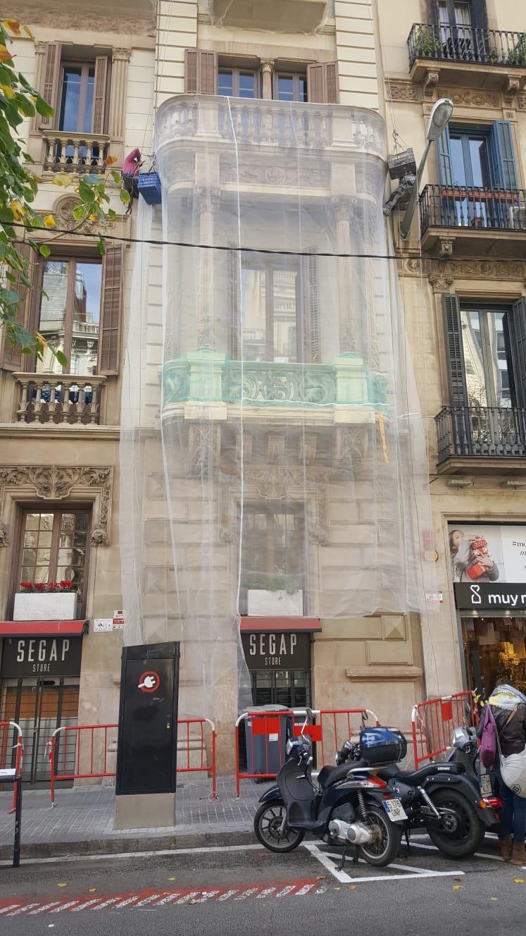 Protección tribuna Rambla  Cataluña 33