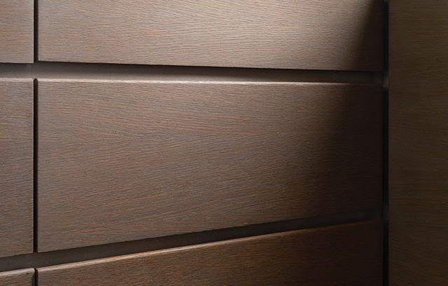 chelsea penthouse drawer detail.  #architecture #interiordesign #kitchendesign #kitchen #marble #backsplash #manhattan #chelsea #designbuild #design #newyork #beckmanstudio #bsdb #apartment #penthouse #archilovers #contractor #construction #interiors #design #custom #detail #reveal