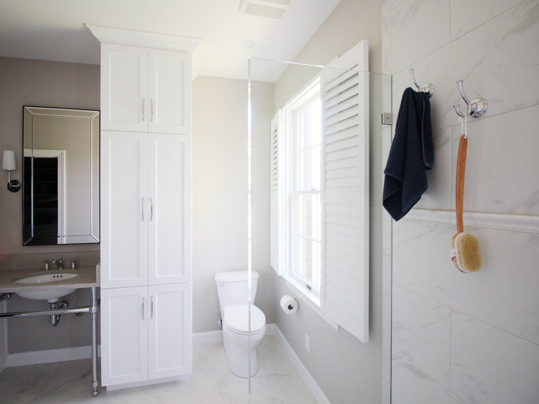 Bright Coastal Bathroom -