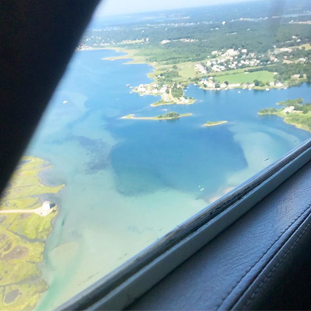After making it halfway to Block, turning back because the airport was fogged in.. then heading back after re- boarding plane.. we made it! And safe to say we're ready for a mudslide at #theoar!! #flyinginfog #sunnyonblock #mudslide #topshelf  #blockisland #dayoff