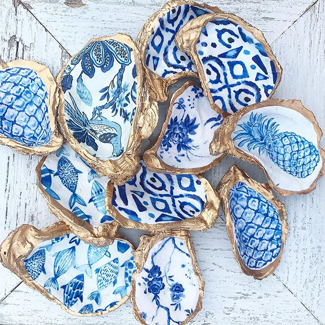 My newest #blueandwhite obsession! Loving these beauties handcrafted by our friend @kcrookdesign in NC! Perfect as a statement oyster decor piece or useful as a salt dish! 2 sizes available! #coastaldecor #oystershell #blueandwhitedecor #coastalhome #shopsmall #shoplocal #shoponthedock