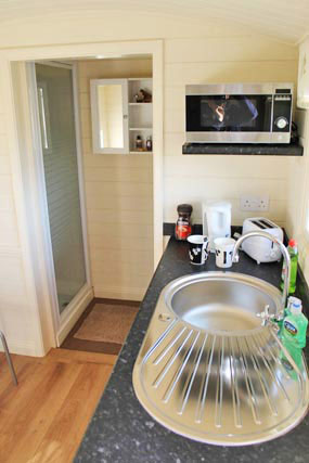 en-suite-shower-room-shepherds-hut-glamping-rookery-farm-broadway-w.jpg