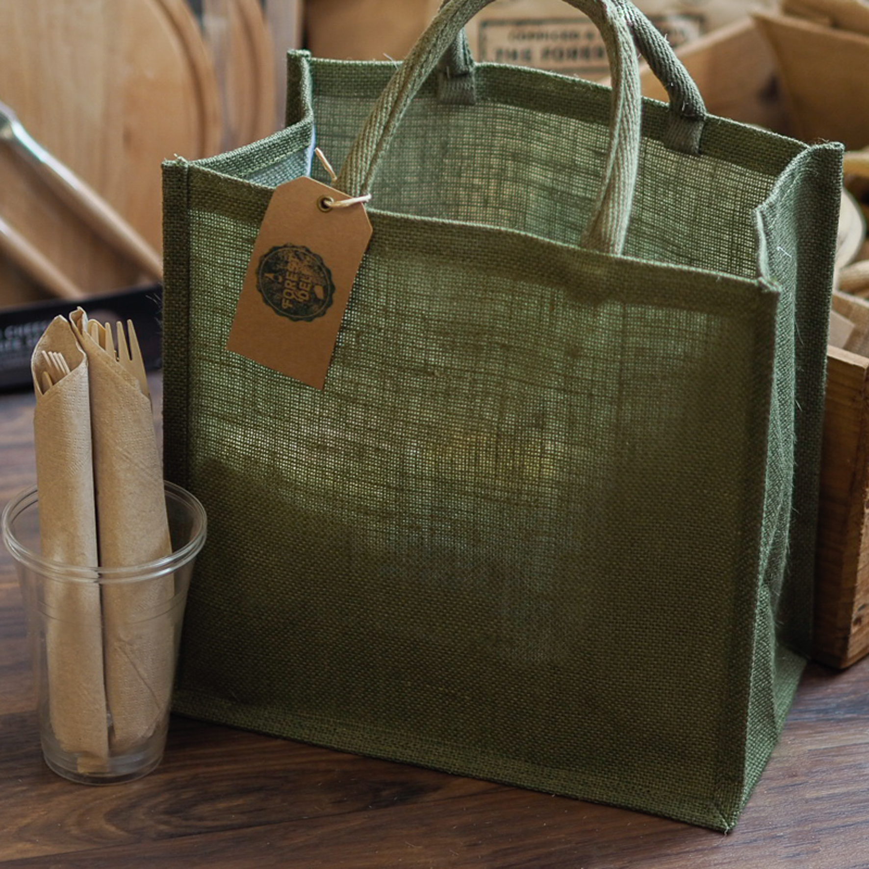 These lovely Jute Bags are a perfect picnic hamper alternative and are completely re-usable