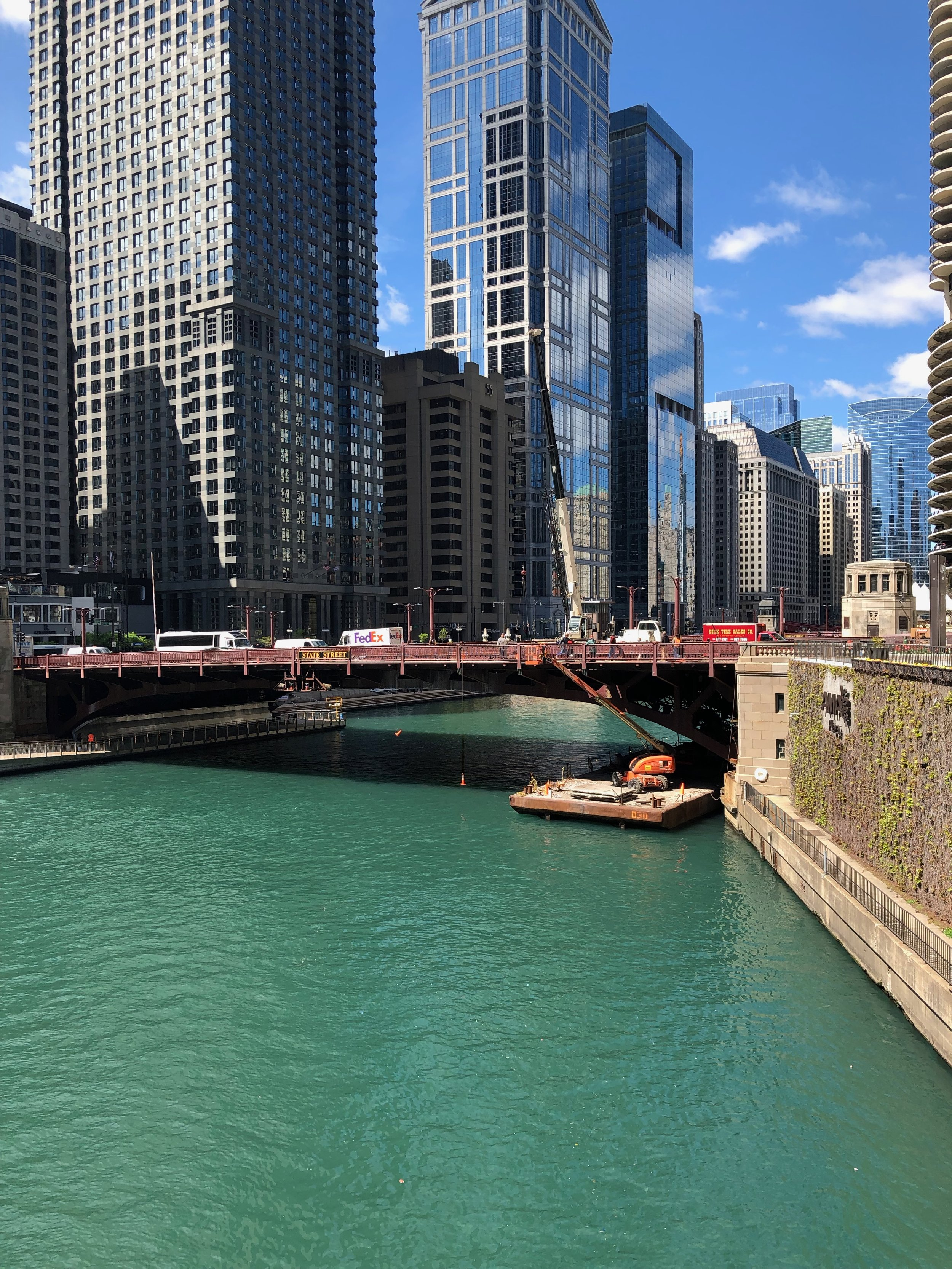 Chicago River at N. Clark