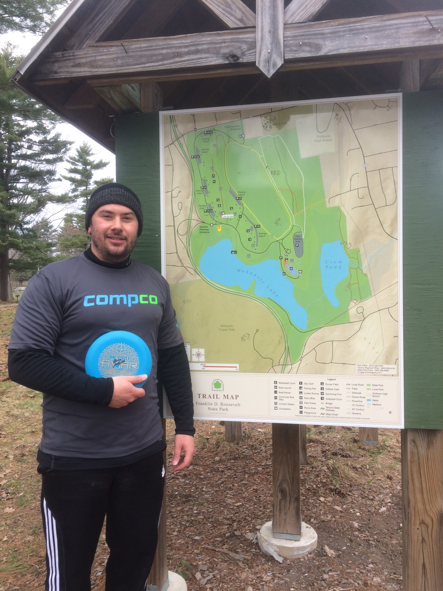 Chris Scofield (Pro disc golfer) sponsored and repping Compco in a tournament