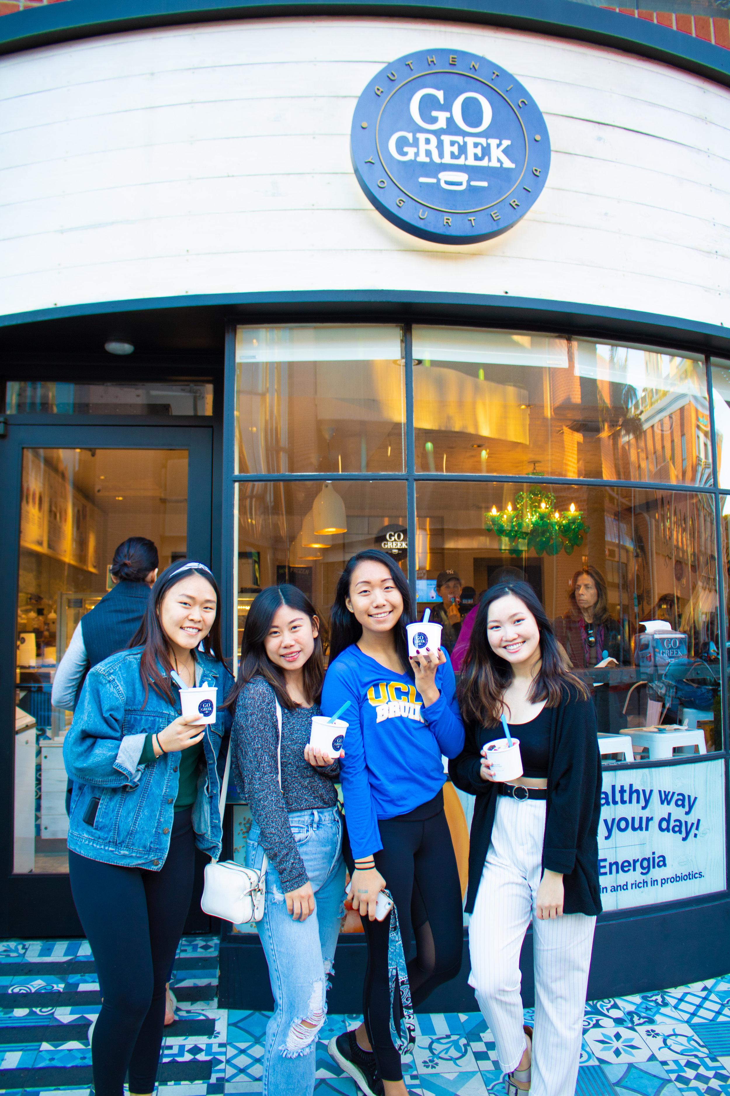 Go-Greek-Yogurt-Customers-Beverly-Hills