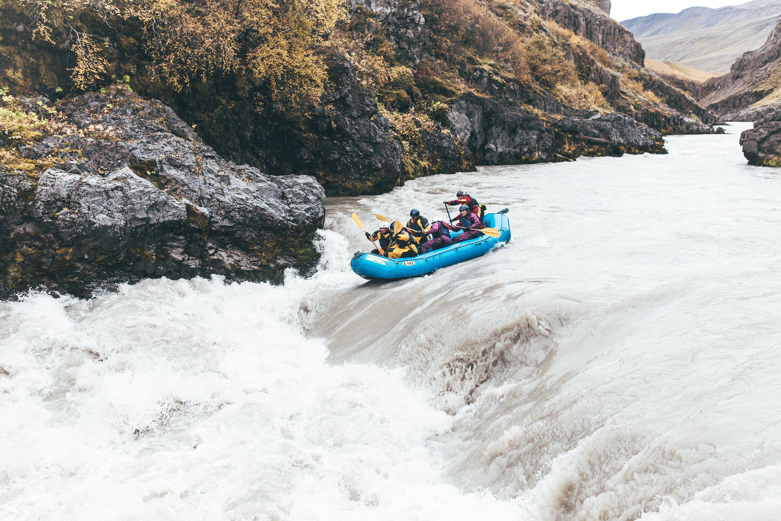 Chosen_Iceland2017_canyoning-19.jpg