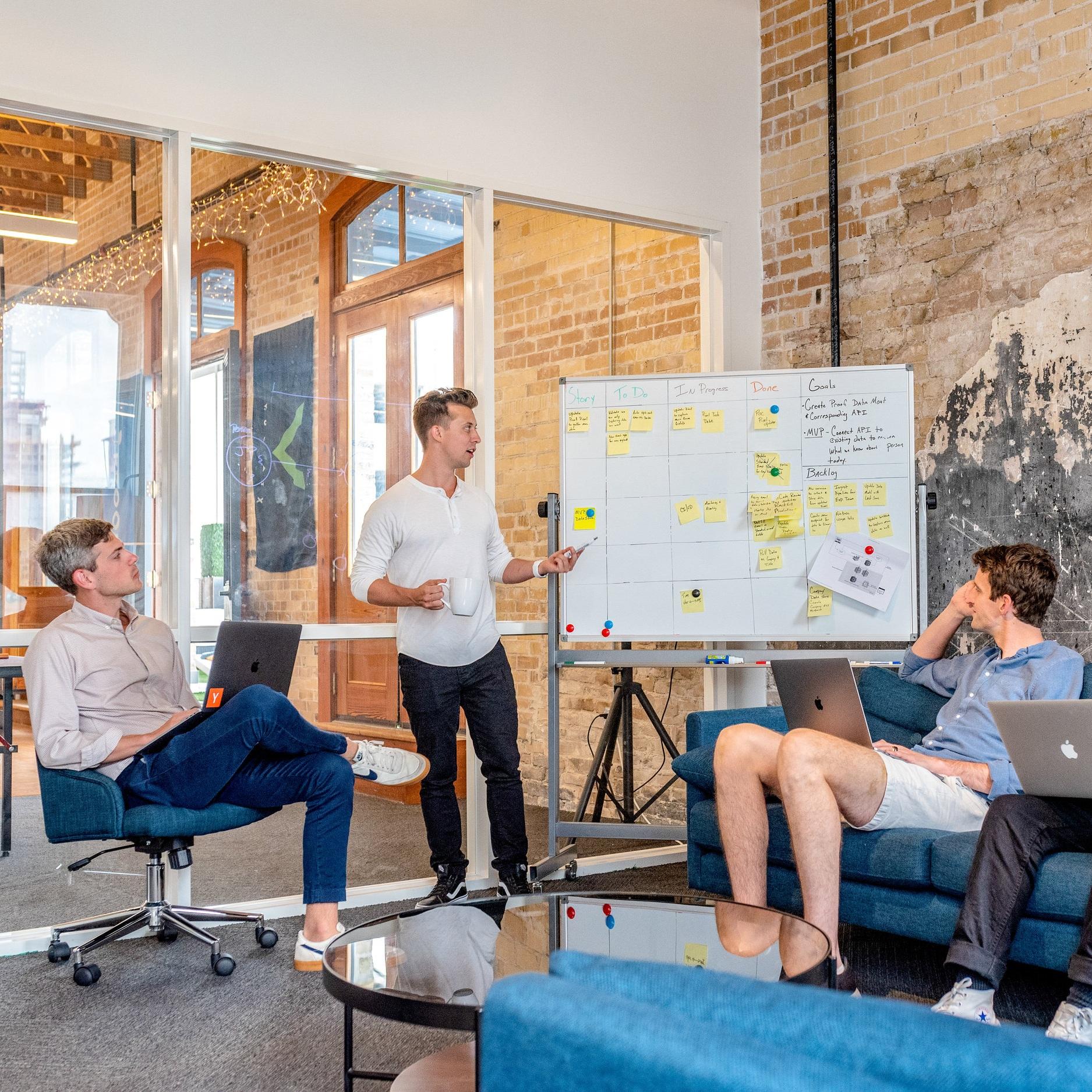 RETAILING - 360 Approach AnalysisResearch and DiscoveryConsumer/Shopper SegmentationConsumer InsightStore Design AnalysisVisual Merchandising