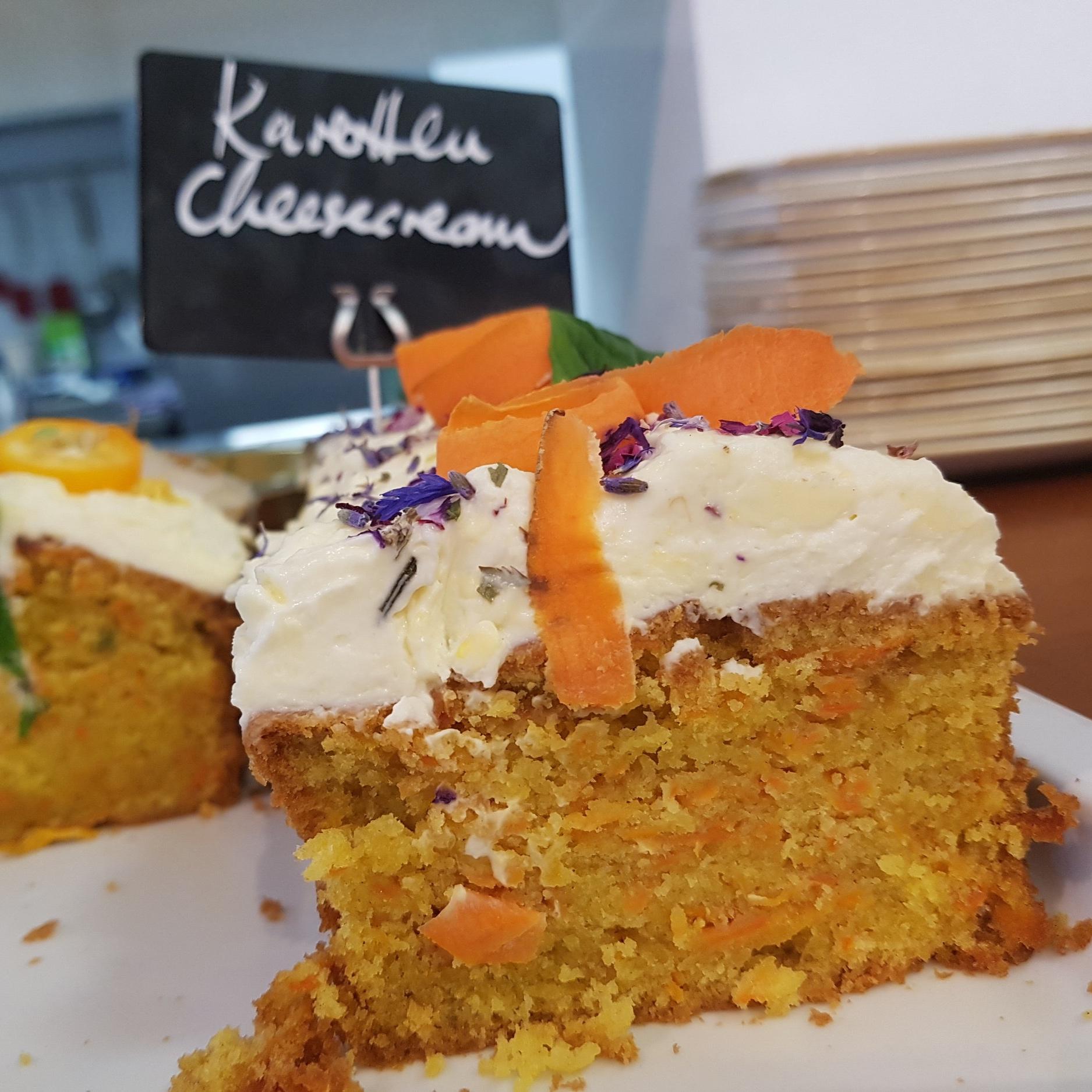 Kuchen-Café-Avalon, Karotten Cheesecream