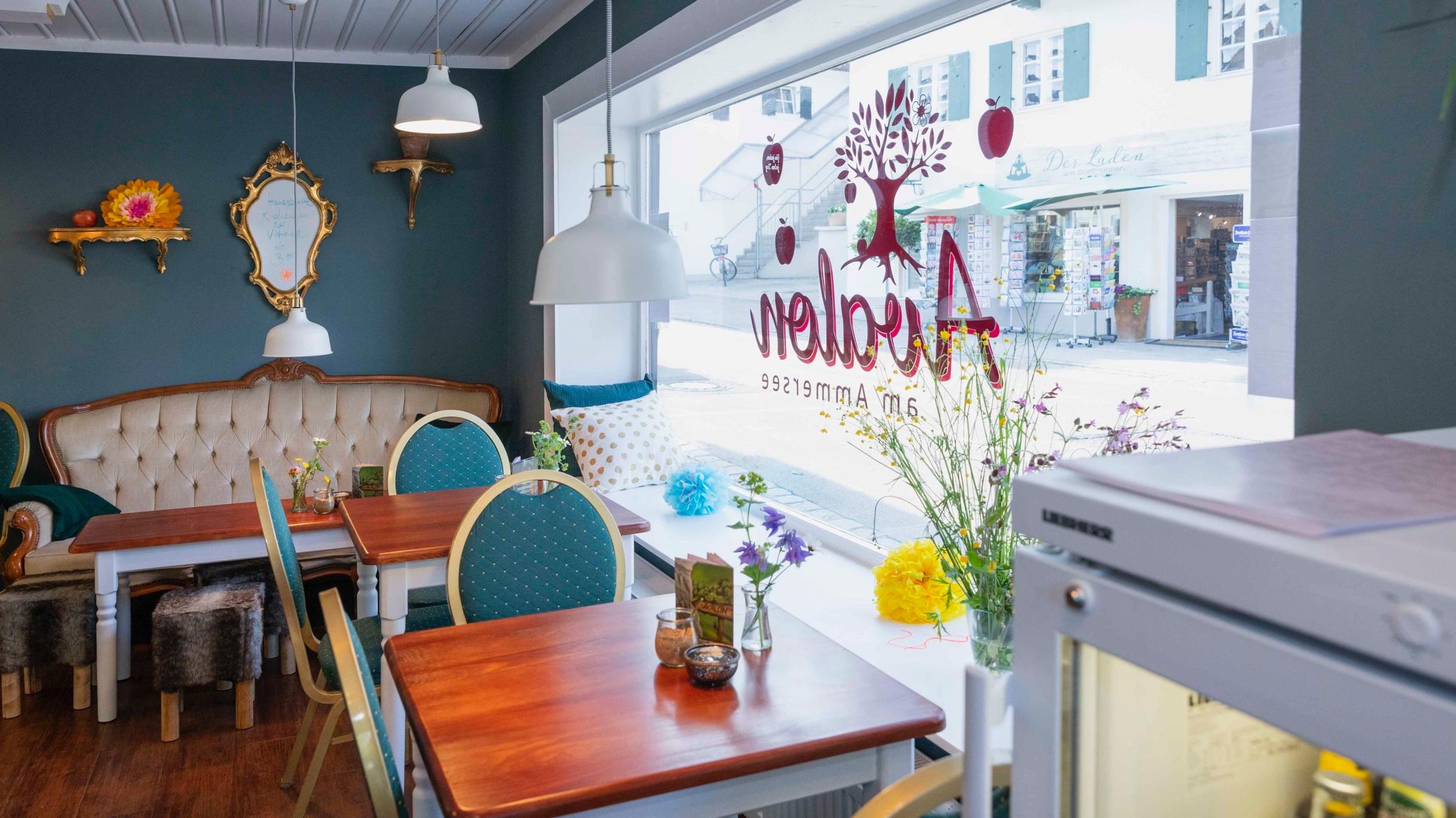 Cafe-Avalon