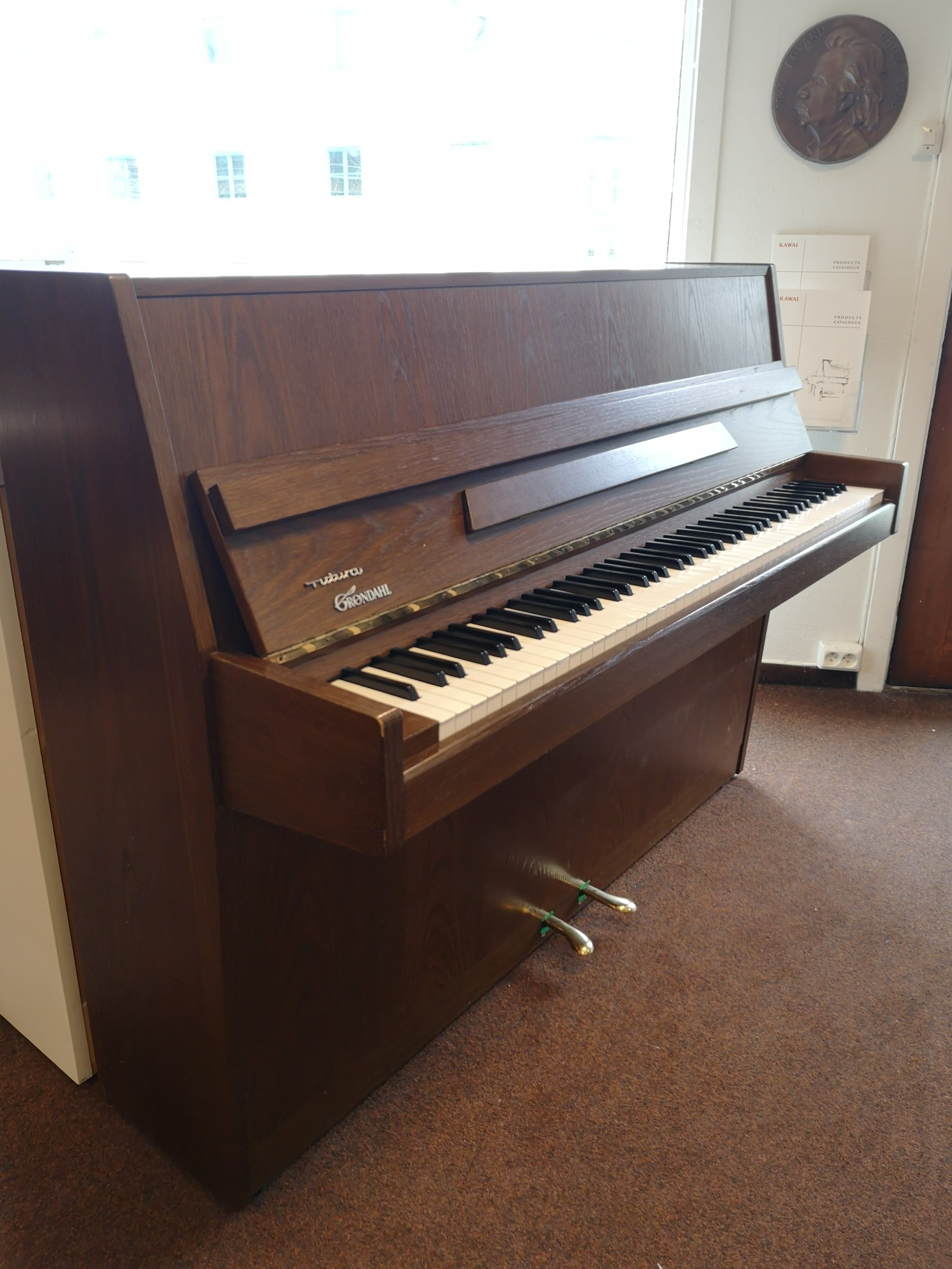Lamper | Musikkhuset.no Henrik Eide AS Piano, Flygel