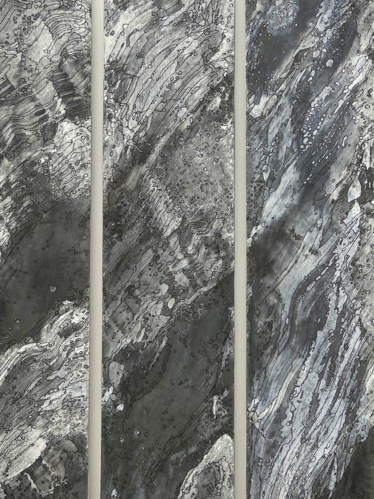 Amphitrite 100 cm X 36 cm détail Zinc, acides, acrylique noir