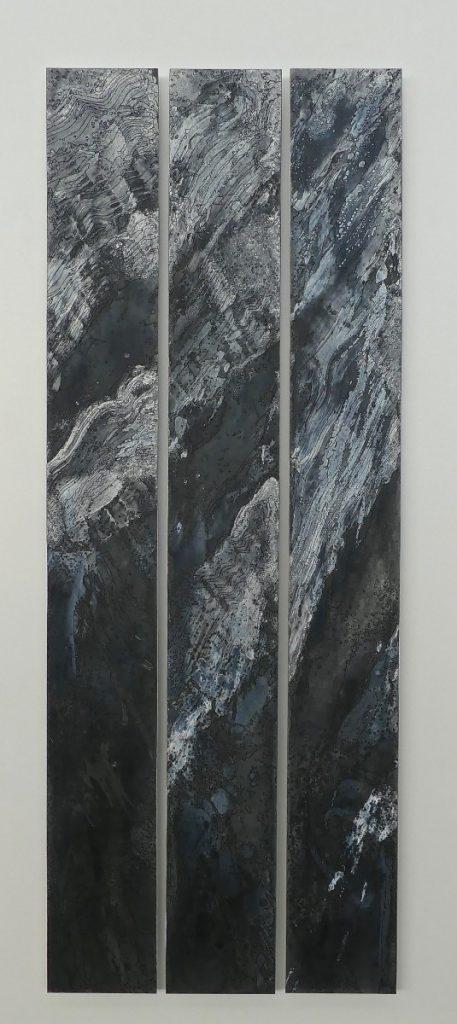 Amphitrite 100 x 38 cm Zinc, acides, acrylique noir