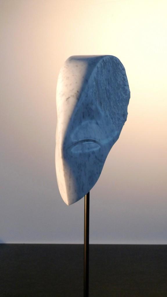 PROFIL DE MEMOIRE  Marbre / Acier / Granit 162 cm x 30 cm x 32 cm
